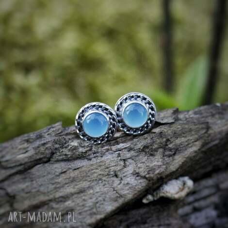 amade studio okrągłe sztyfty z niebieskim oczkiem w wianku, okrągłe, kamieniem