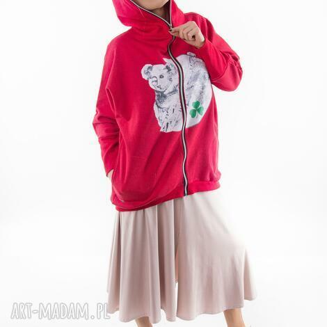 bluza nietoperz czerwona nadruk koala, spodnie, płaszcz, t shirt, sukienki