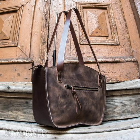 torebka ręcznie wykonana kuferek w kolorze brązowym skórzana torba od ladybuq