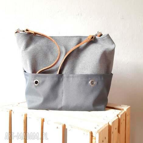 eed741e65757f torebka na ramie w stylu minimalistycznym