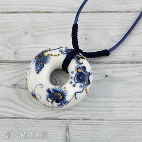 pod choinkę prezent, wisiorki motyl - wisior, ceramiczny, owalny, motyl, kwiaty