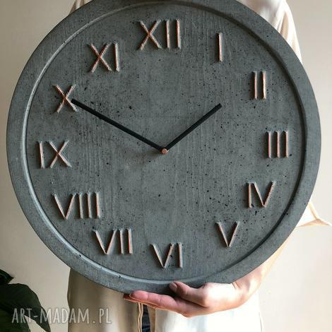 zegar ścienny betonowy handmade z betonu antracyt miedziany modny na prezent