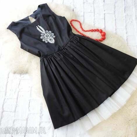 sukienki czarna rozkloszowana sukienka z tiulem haft parzenica s/36