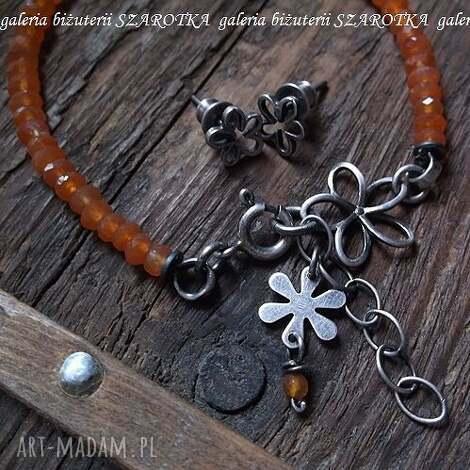 kwiatowy zestaw biżuterii z karneolu i srebra, karneol, srebro, oksydowane, kwiat