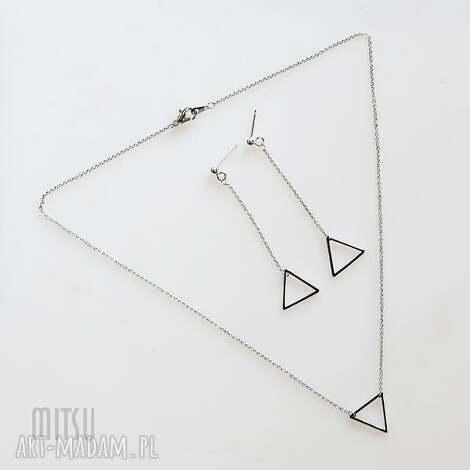 komplety komplet trójkąt bermudzki, trójkąt, minimalizm, prostota, lekkie, łańcuszek
