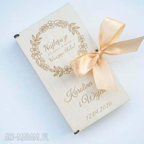 drewniane pudełko na pieniądze 2 z wstążką, prezent ślub