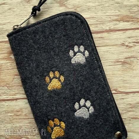etui filcowe na telefon - łapki, smartfon, pokrowiec, kot, pies, prezent