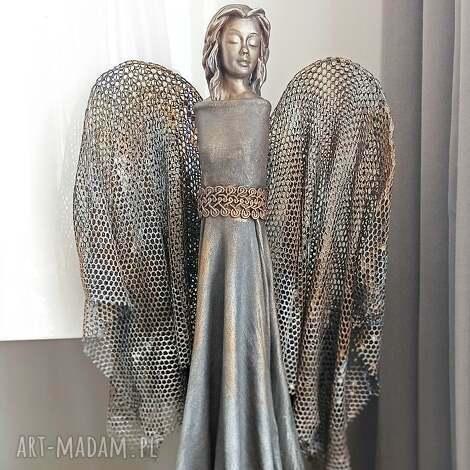 anioł dostatku, stróż, figura anioła, talizman, dekoracja salonu, prezent