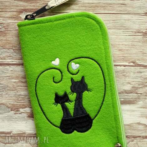 filcowe etui na telefon - zakochane koty, etui, smartfon, kotki, prezent, kropki