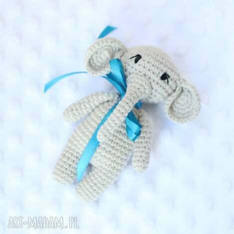 słonik grzechotka - słonik, słoniątko, grzechotka, szydełko