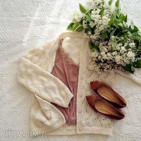MonDu - ażurowy kardigan ecru, dziergany, dekolt w serek, na lato