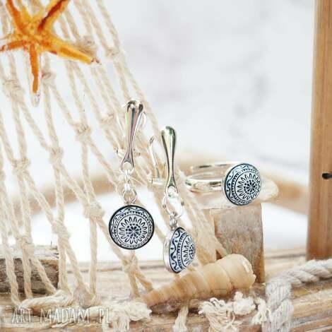 przepiękny minimalistyczny komplet biżuterii srebrnej, klipsy