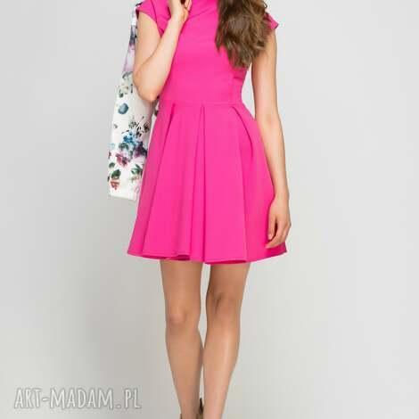 sukienka ze stójką, suk143 fuksja, midi, amarant, kieszenie, stójka, rozkloszowana