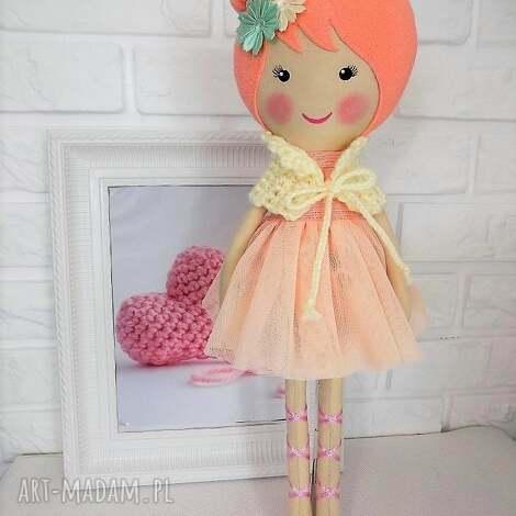 duża baletnica w brzoskwiniowych barwach, lalka, zabawka, przytulanka, prezentn