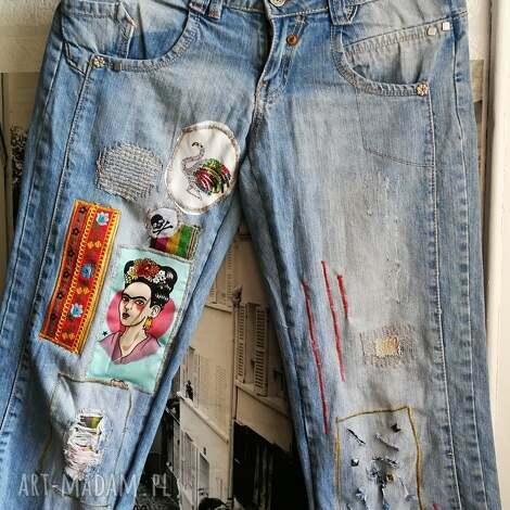 spodnie jeansowe z naszywkami frida kahlo styl boho, spodnie, frida