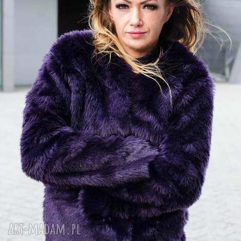 fioletowa kurtka z futerka - futrzana, futro, zimowa, awangardowa futerko ciepła