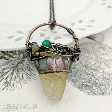 cytryn - naszyjnik z surowym cytrynem i kamieniami - naszyjnik wisior, surowy wisior