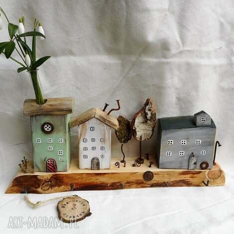 miasteczko wieszak, rustykalny wieszak, domki z drewna, ozdoba do domu, ręcznie