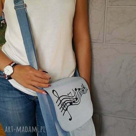 na ramię torebka z jasnego jeansu listonoszka w nutki, torba, torebka, jeans, dżins