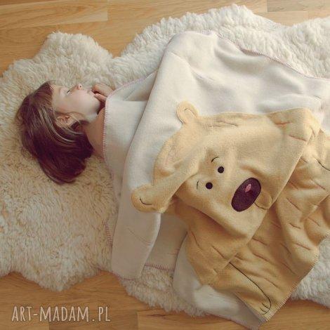 polarowy kocyk z aplikacją misia - kocyk, wózek, łóżeczko