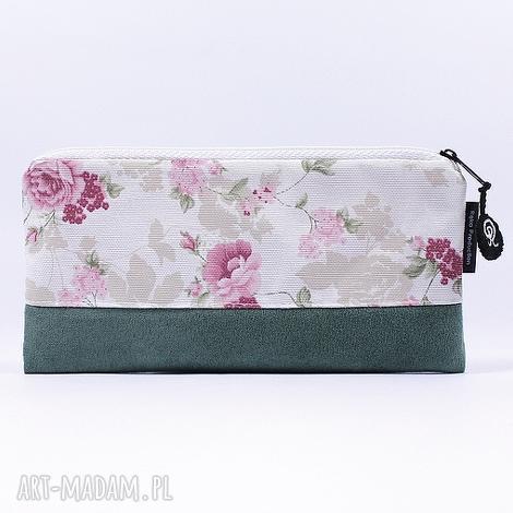 kosmetyczki piórnik flowers 09, kosmetyczka, piórnik, szkoła, prezent, róże