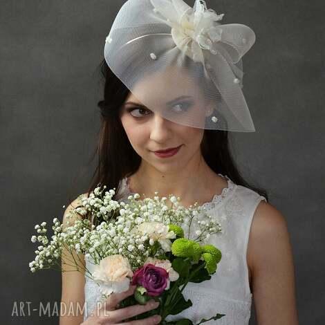 świąteczny prezent, rosalia, ecru, toczek, ślub ozdoby do włosów