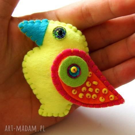 TinyArt, neonowy tukan broszka z filcu dla dziecka filc, ptak dziecko, skrzydła