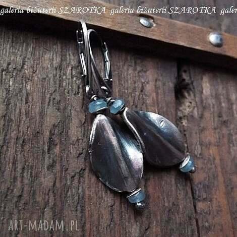 błękitny akcencik kolczyki z akwamarynów i srebra, akwamaryn, srebro, oksydowane