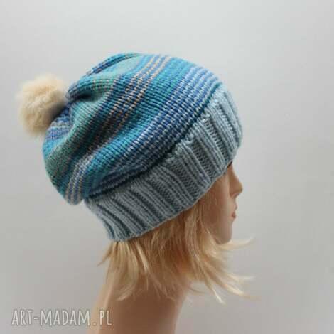 niebieska czapka z futerkowym pomponem - paski, pompon, czapka, błękitna, krasnal