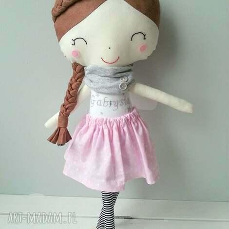 lalka gabrysia, lalka, przytulanka, warkoczyki, dziewczynka, bawełna, filc, unikalny