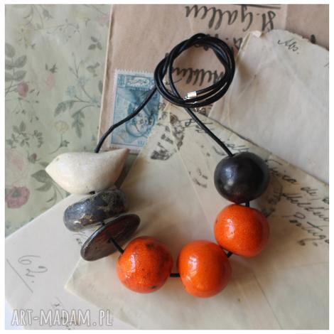 korale oranżowe z ptaszkiem - ceramika, korale, ptak