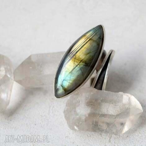 pierścień z labradorytem, pierścień, srebro, labradoryt, prezent, minerały