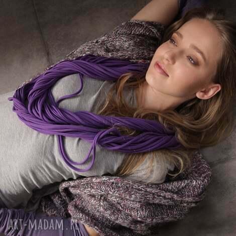 wygodny dzianinowy naszyjnik zamotka cado kolor fioletowy - wygodny, dzianinowy, elegancki