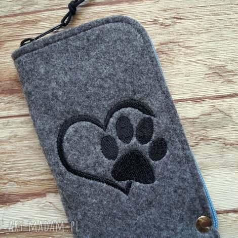 filcowe etui na telefon - łapka, smartfon, pokrowiec, motyw zwierzęcy, prezent
