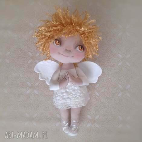 aniołek dekoracja ścienna - figurka tekstylna ręcznie szyta i malowana, anioł, na