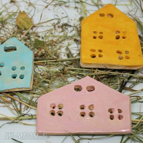 magnesy domki-magnesy ceramiczne soczyste kolory niepowtarzalna ozdoba