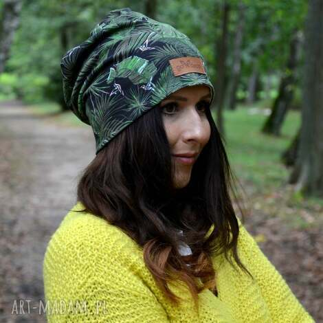 czapka beanie w liście monstera dzianina jesień ciepła, prezent