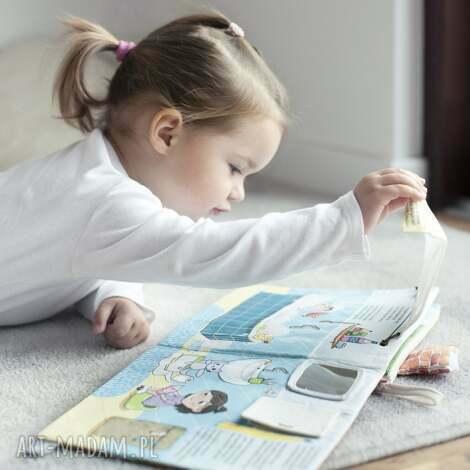 książka z okienkami - mela i maks w domu, książka, książeczka, sensoryczna, okienka