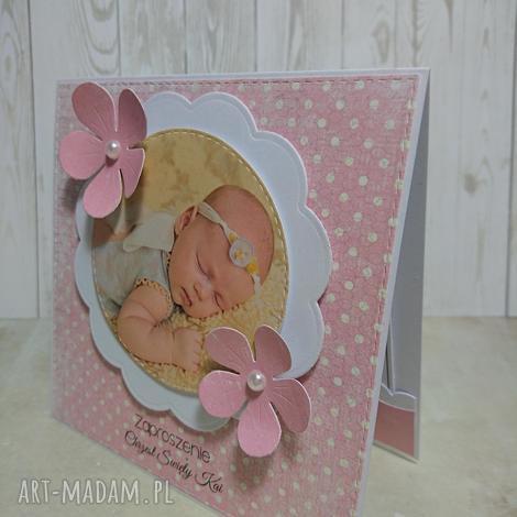 kartka zaproszenie kwiatuszkowe zdjęcie - zdjęcie, zaproszenie, kwiatek, chrzest