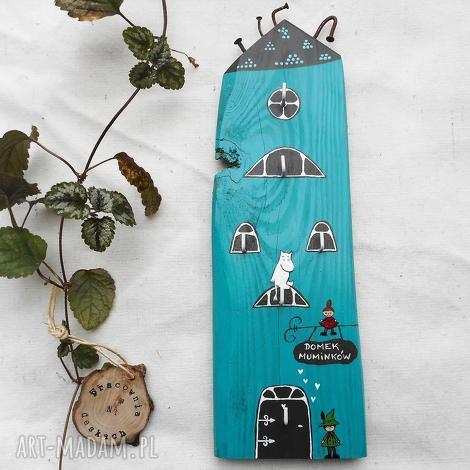 domek muminków z włóczykijem - wieszak na klucze no 1, muminek włóczykij, mała