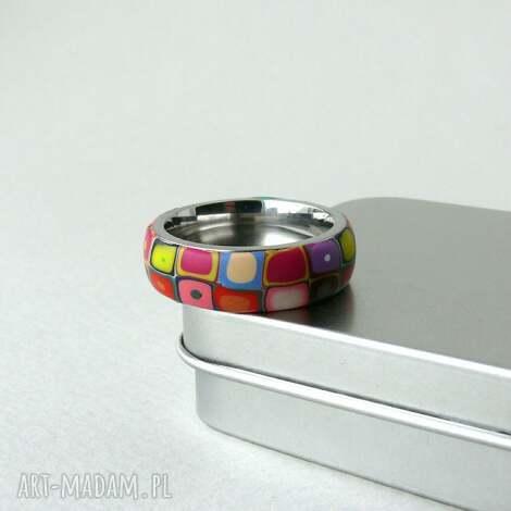 kolorowa obrączka, obrączki, pierścionki, geometryczne, retro, kolorowe