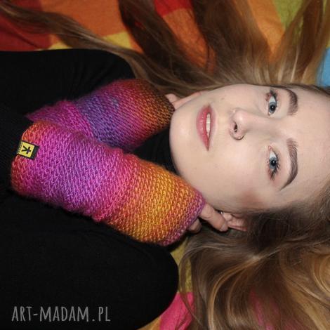 mitenki fioletowo-różowe rękawiczki, ocieplacze, kolorowe, prezent kobiece