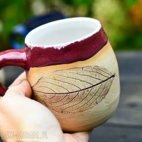 jesienny kubek z liściem - różowy 300 ml handmade, ceramika na prezent