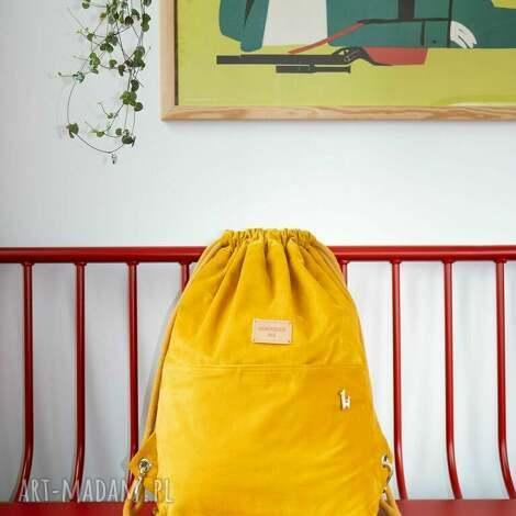 sztruksowy, żółty plecak worek słoneczna czwóreczka, plecak, żółty, karabińczyk