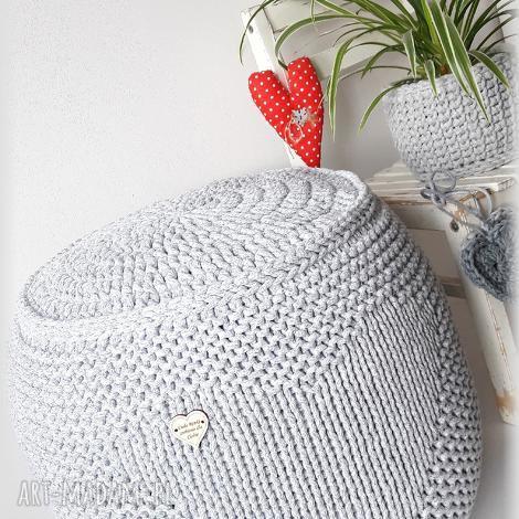 pufa z serduchem, wygodnie, szydełkiem, na drutach, serducho, sercem
