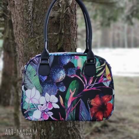 kuferek - bajeczny ogród, kwiaty, wiosna, elegancka, nowoczesna, prezent