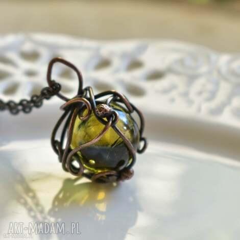 orb yellow - naszyjnik z kula, naszyjnik z miedzi, kula, wisior, szklana