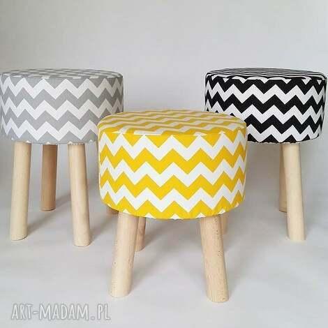 fjerne m,fjerne s- żółty i czarny, drewniane nog, stołek