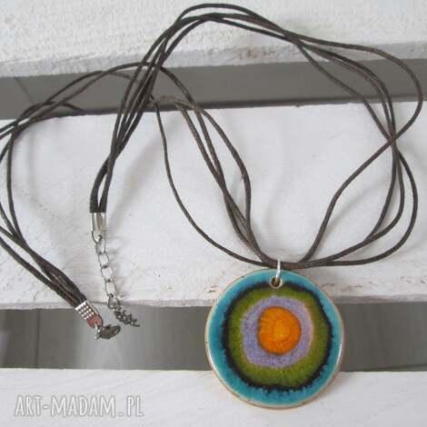 dwustronny energetyczny naszyjnik ceramiczny - z ceramiki, kolorowy, naszyjnik, wisiorek