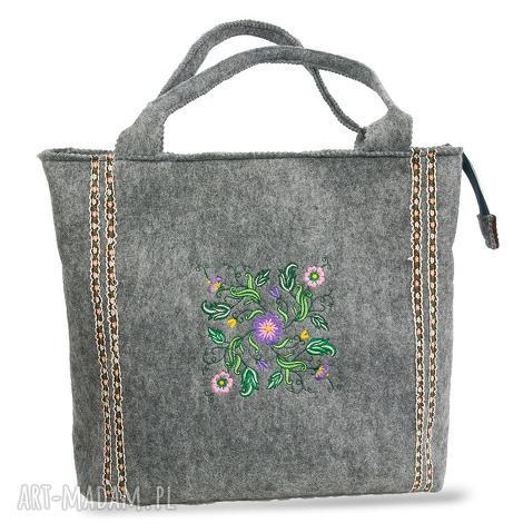 4316c18cffe67 torebka wiosenna z motywem w kwiaty, filc, torba, torebka, haft
